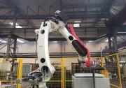 中国钢铁迈向智能制造   从炉火通明到黑灯工厂