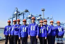 """青岛港""""连钢创新团队""""建中国人自己的自动化码头"""