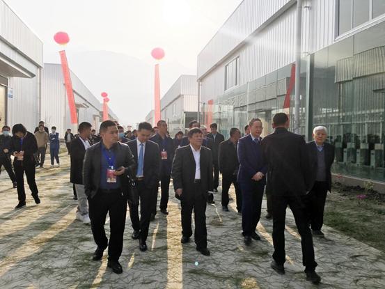3月26日上午,由云南东方红生物科技有限公司投资建设的东方红(云南)核桃产业现代化工业园投产仪式在大理漾濞核桃产业园举行。