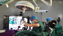 """西藏利用""""5G+机器人""""技术顺利完成远程骨科手术"""