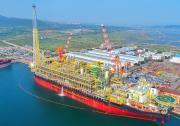 """全球最大""""海上石油工厂""""在大连顺利交付"""