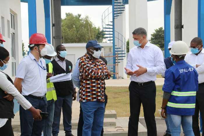 安哥拉能源和水利部部长考察维拉弗罗配水中心工程