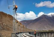 西藏拉林铁路高海拔段电气化施工有序推进