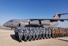 军队增援武汉又一批1200名医护人员抵达